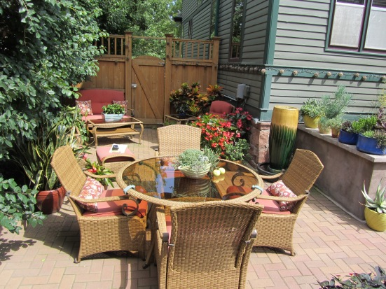 Containers For A Standout Yard